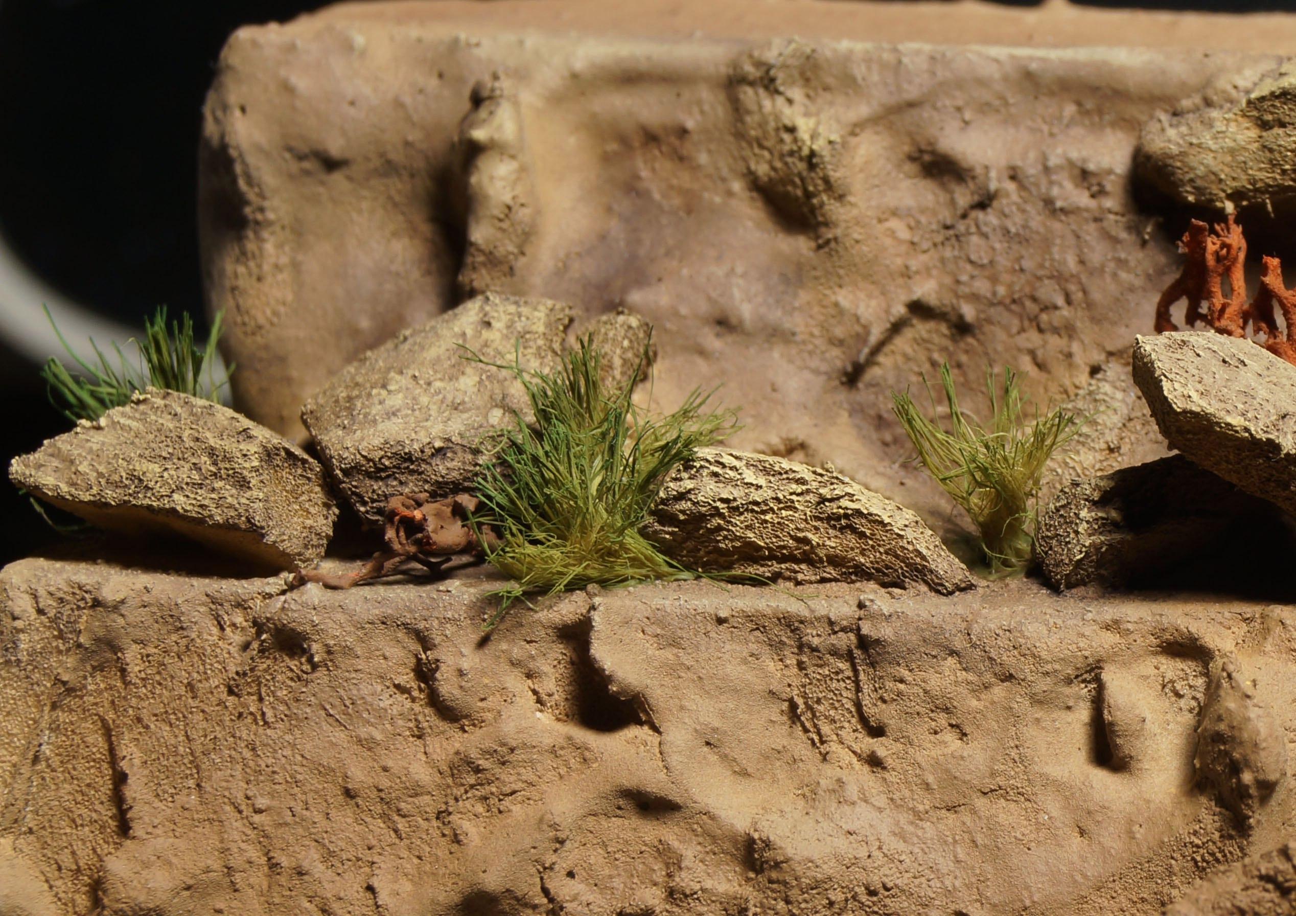 Делаем пучки травы из подручных материалов