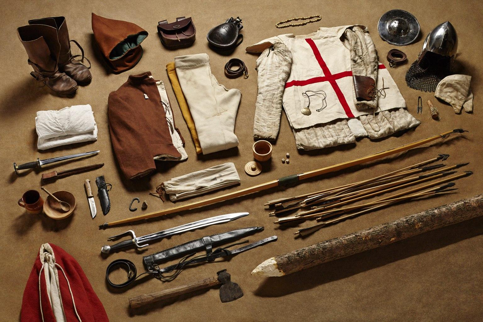 Обмундирование английского лучника битвы при Азенкуре (1415).