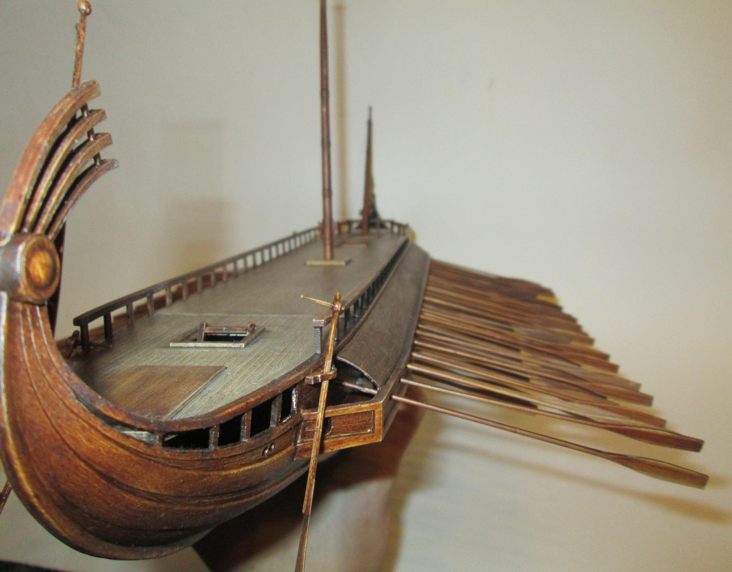 Фото: модель греческая триера